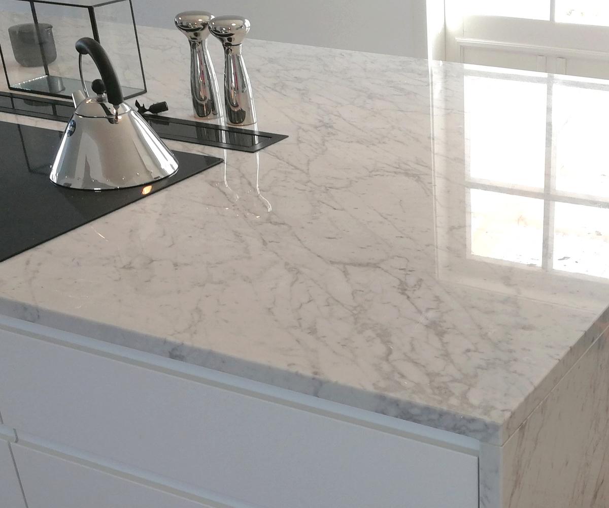 Arbeitsoberflächen für die Küche aus Carrara-Marmor - Granitop