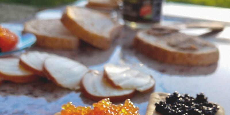 Eine Freiluftküche – eine Perle des Gartens, wo die Sommertage genossen werden können